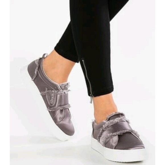 e81151ccf7c1 Sam Edelman Levine Sneaker shoes women light grey.  M 5bd4ace6534ef99e84d1b7ab